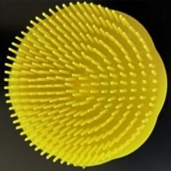 Brosse plastique ronde à cheveux démêlante couleur jaune